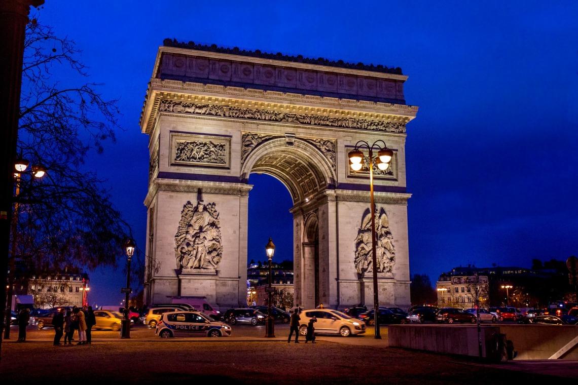 arc-de-triomphe-1283422_1920.jpg