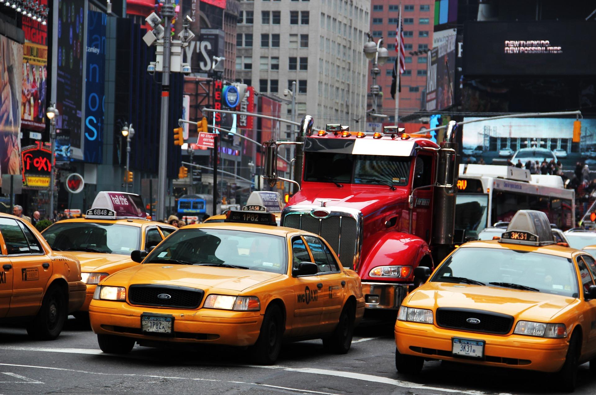 new-york-times-square-1132544_1920.jpg