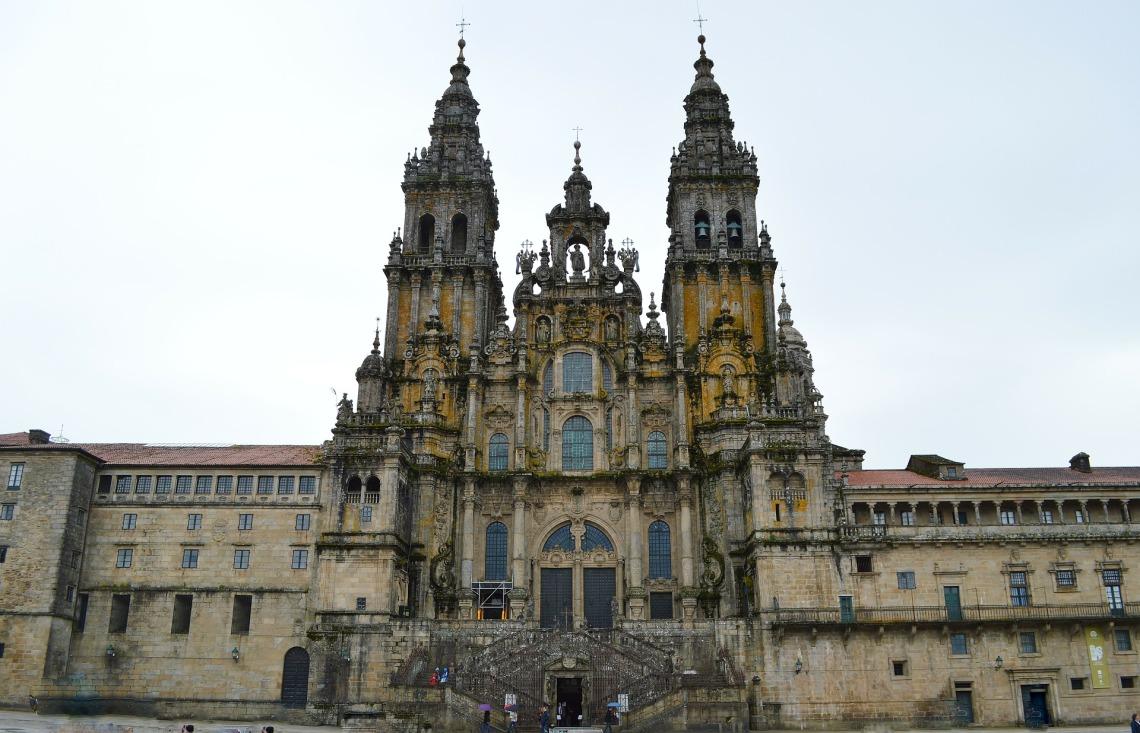 catedral-235228_1920.jpg