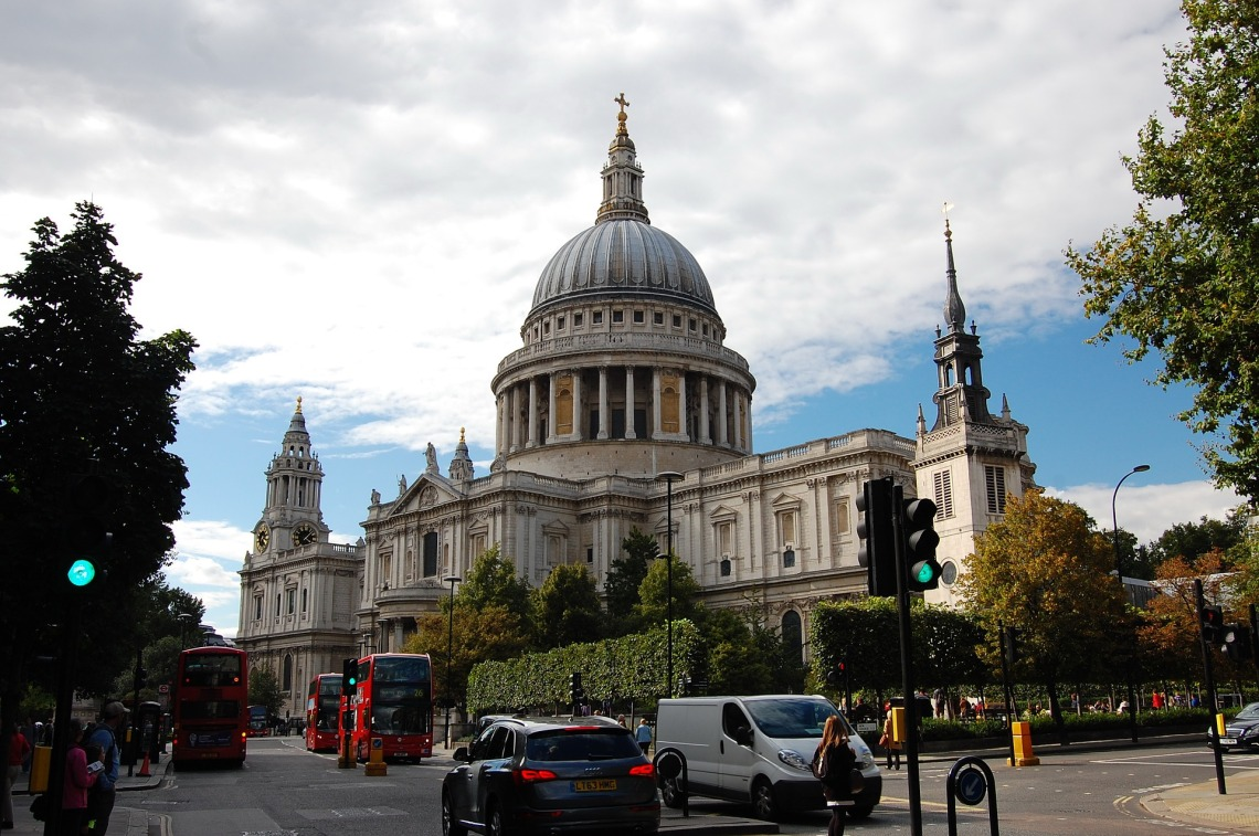 london-2874178_1920.jpg